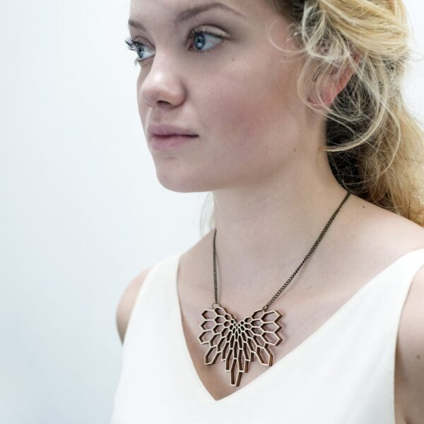 houten collier wings - lasergesneden ketting / collier / lasercut necklace