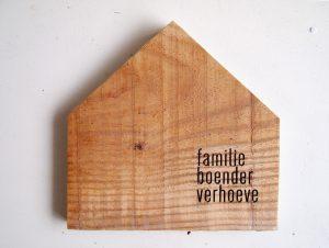 naamhuisje - gegraveerd naambord