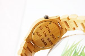 Houten horloge - wooden watch - laser engraved with text