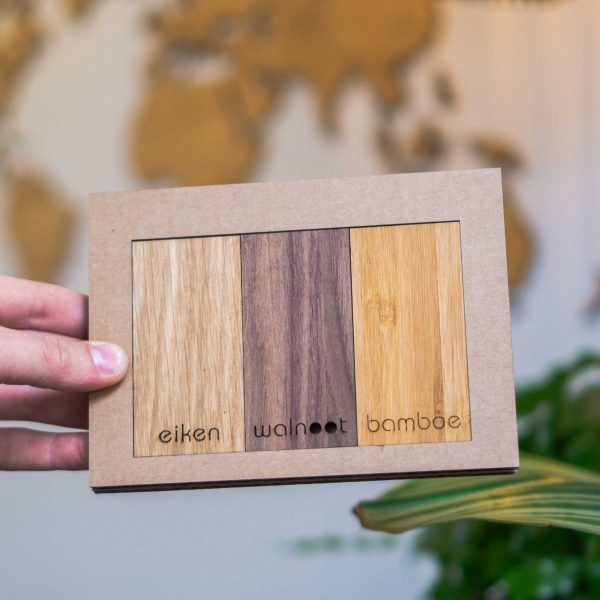 Houtsamples voor houten wereldkaart