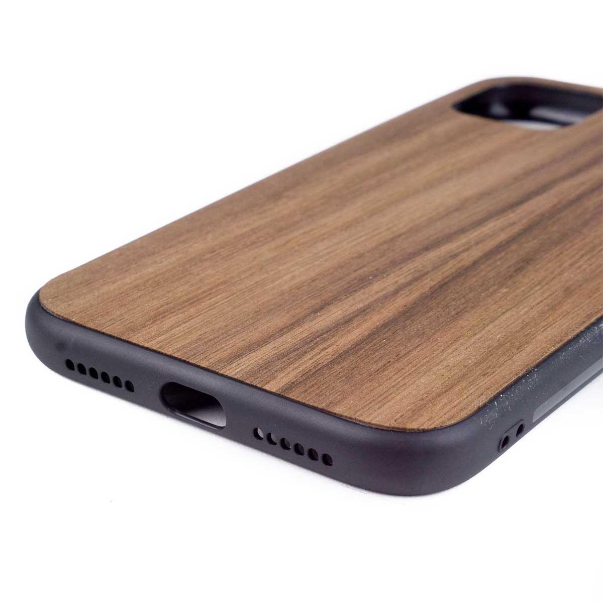 Telefoonhoesje van hout of leer met persoonlijke gravering