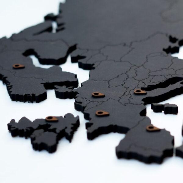 Houten wereldkaart - zwart