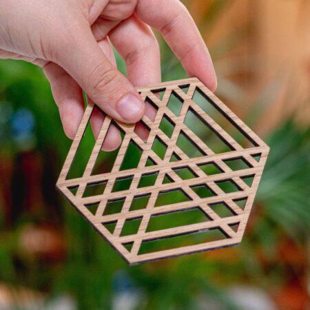Houten geometrisch onderzetter set