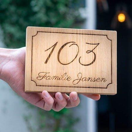 houten naambord graveren - houten naamplaatje met tekst